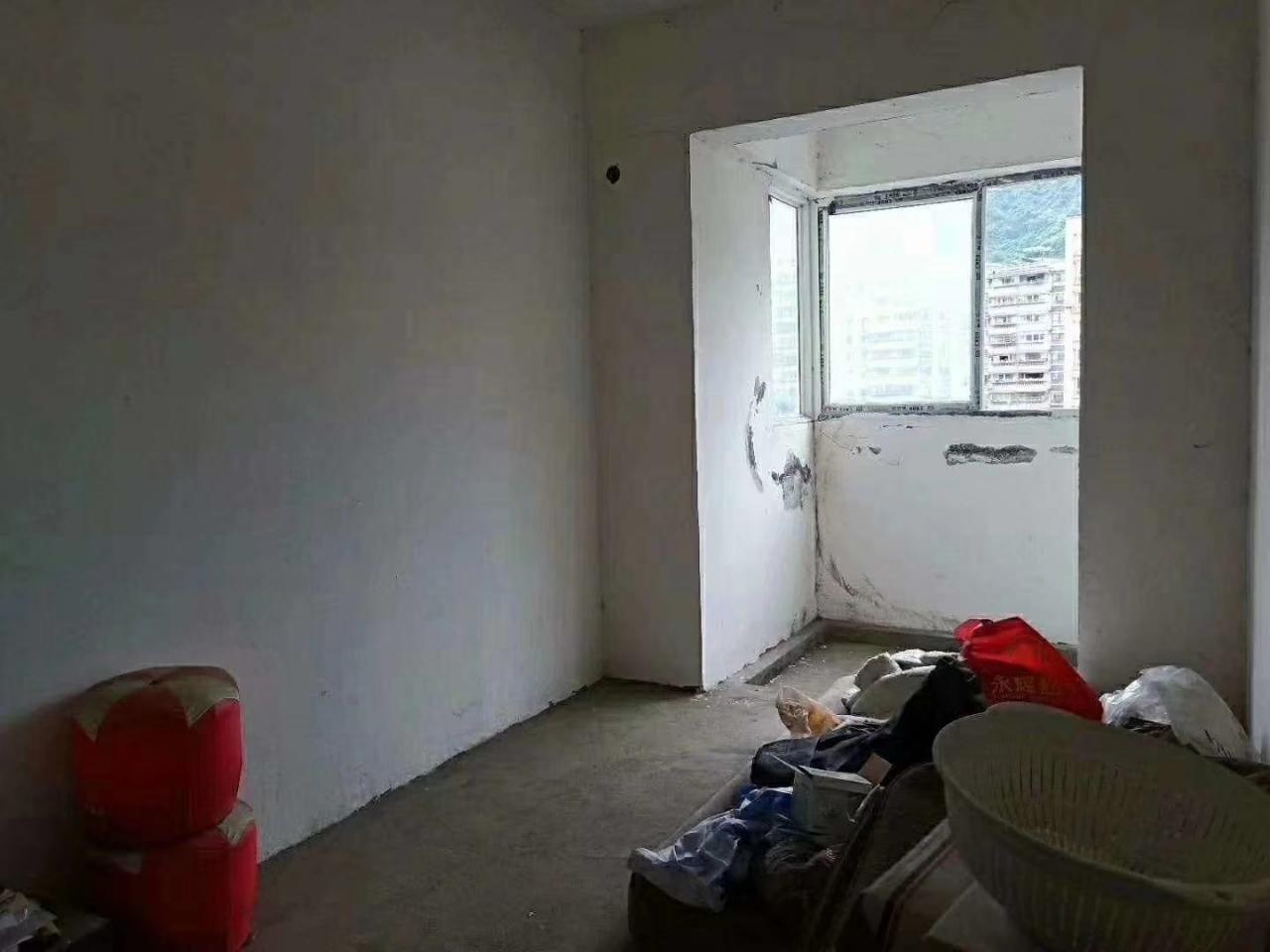 凤凰楼3室 2厅 2卫60500万元