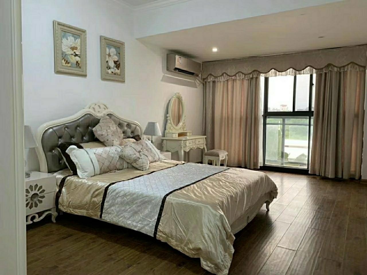 东坡学校对面3室 2厅 2卫98万元