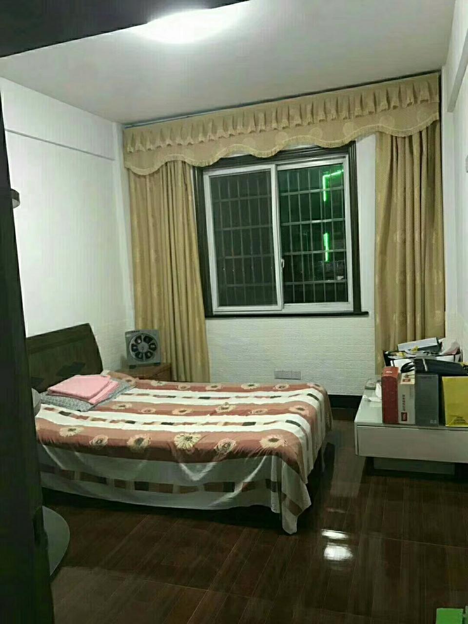 龙湖花苑3室 2厅 1卫62万元