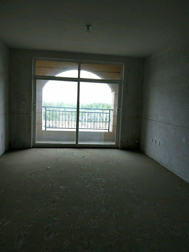 紫悅府五樓126平帶閣樓,底物83.8萬急售有鑰匙