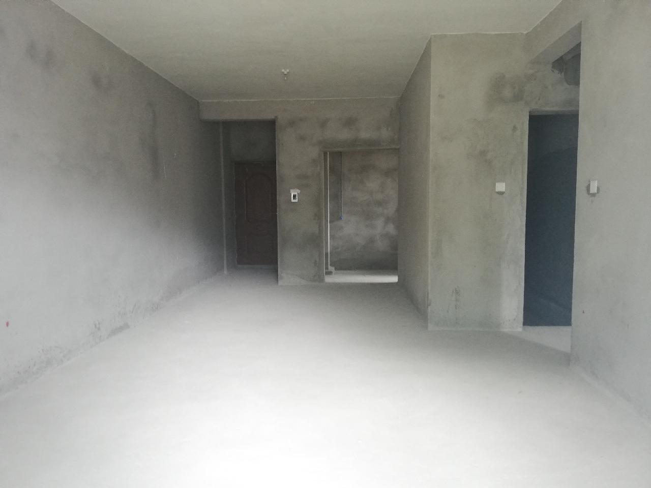 依云水岸清水3室 2厅 2卫62万元