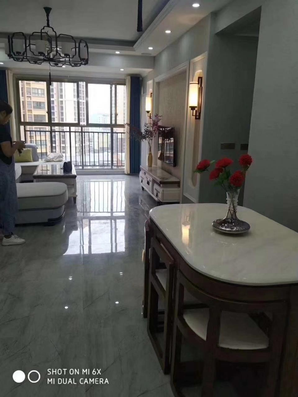 龙腾御景3室 2厅 2卫86.8万元