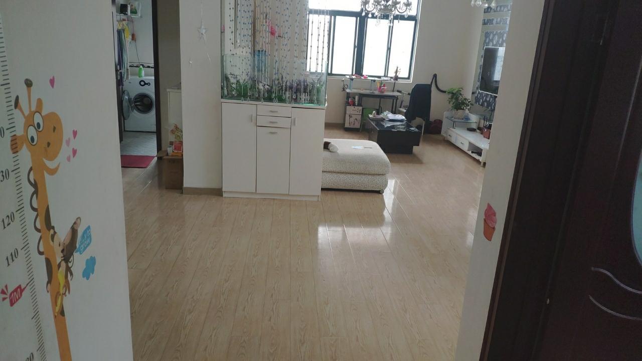城市花园3室 2厅 1卫 15m2储藏室 价格可谈