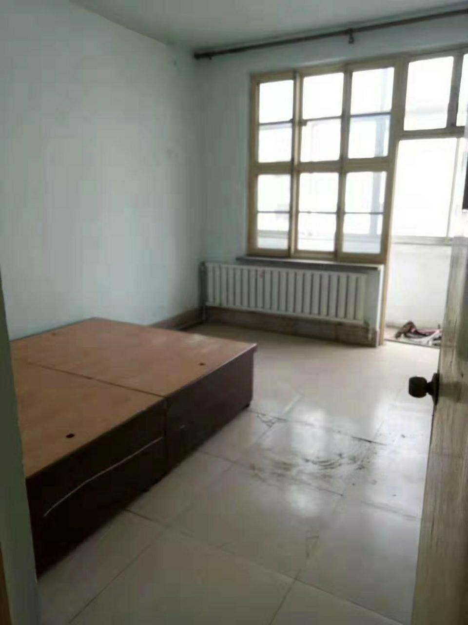 渤海公寓3室 1厅 1卫38万元