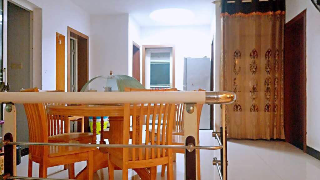 超值4房」锦龙苑4室 2厅 2卫71.8万元