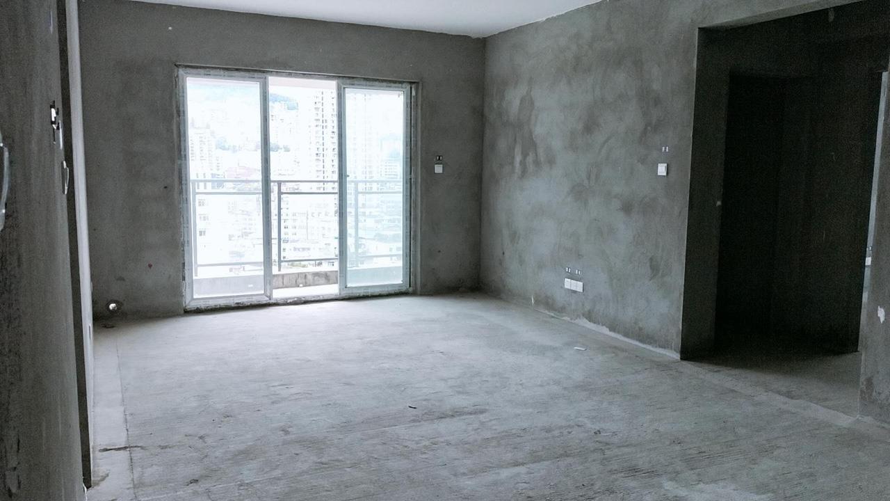 依云水岸3室 2厅 2卫59.8万元