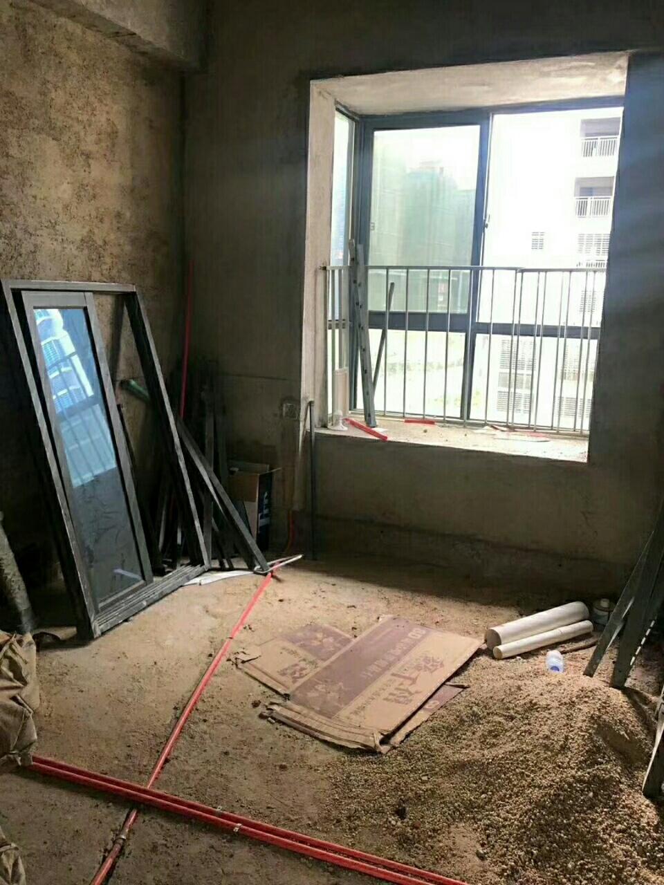 弘桥世界城3室 2厅 2卫82万元