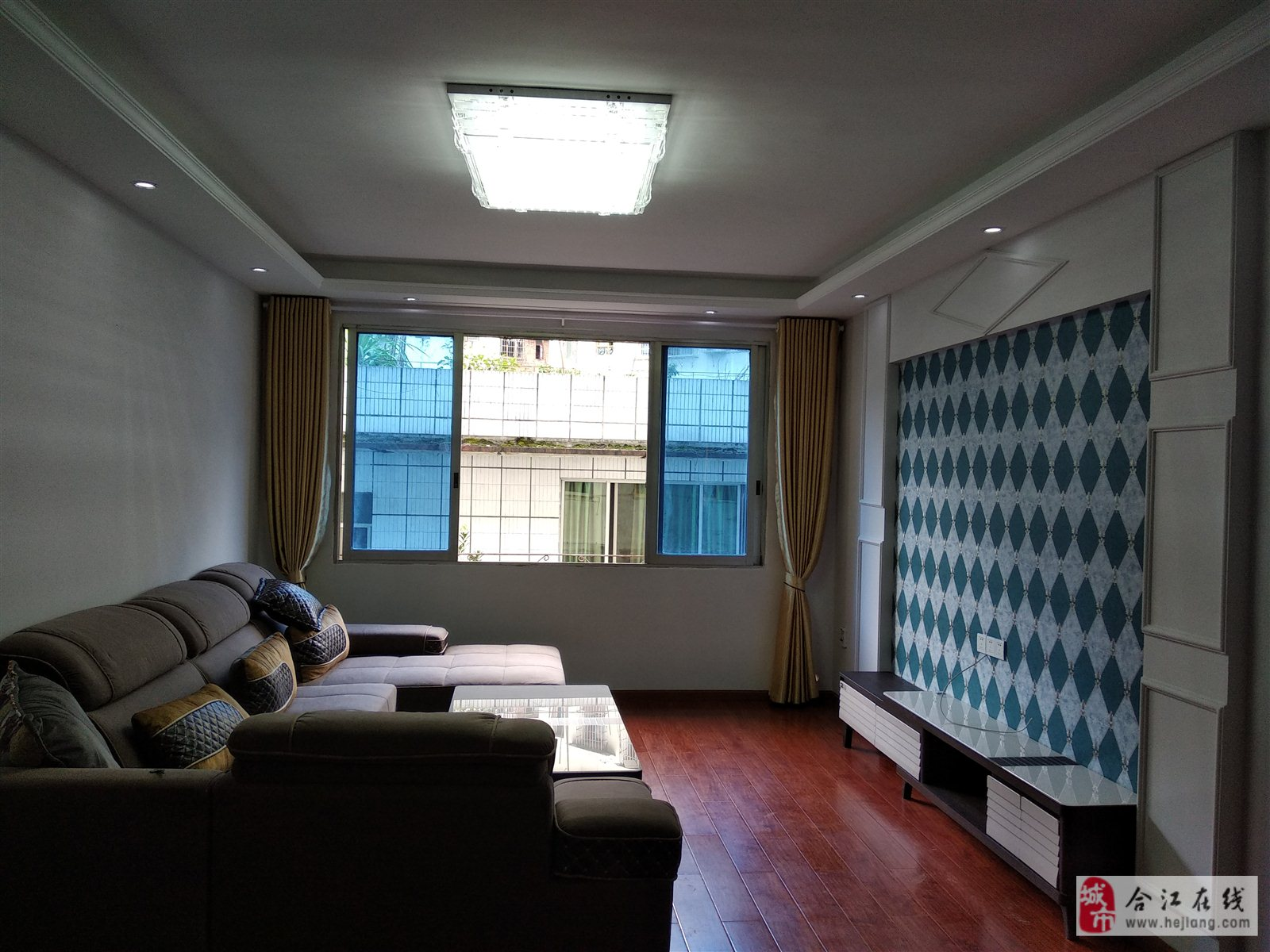 天堂街中段4楼3室 2厅 2卫48.8万元