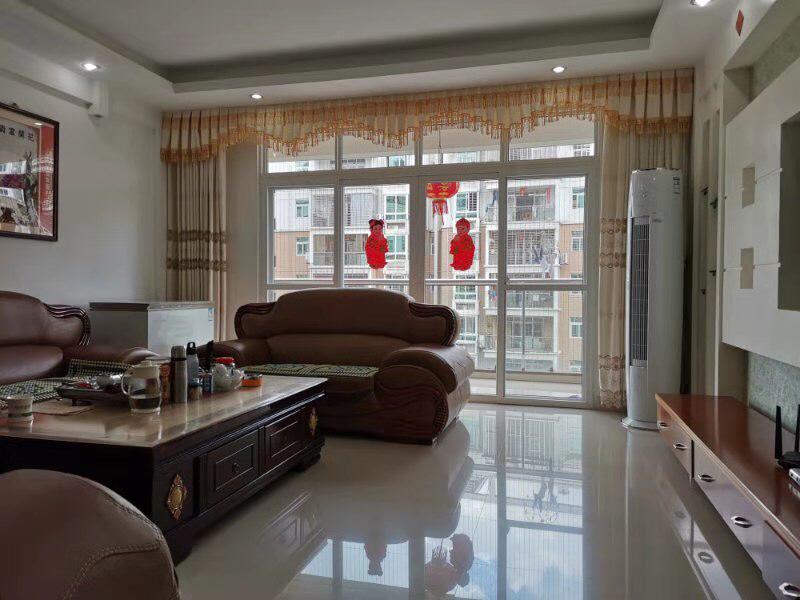世纪豪庭3室 2厅 2卫149万元