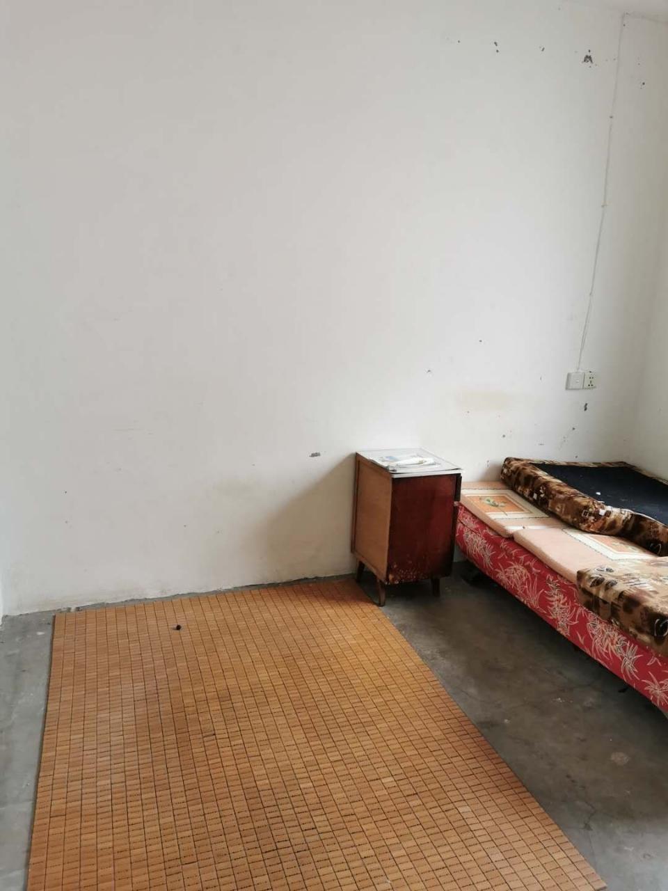 吉成名苑3室 1厅 1卫27.8万元