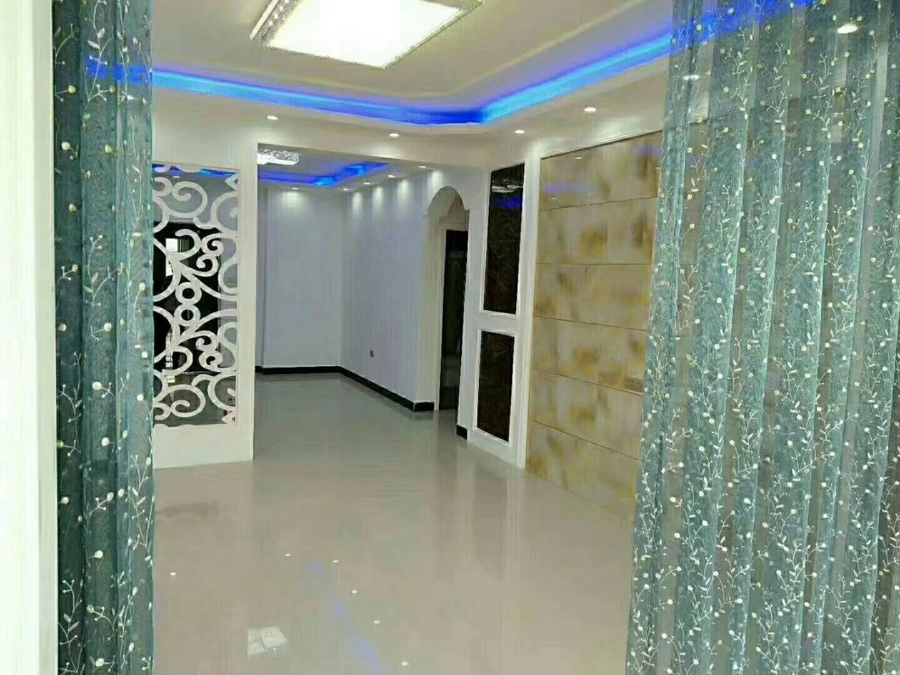 未来城2室 2厅 1卫60万元