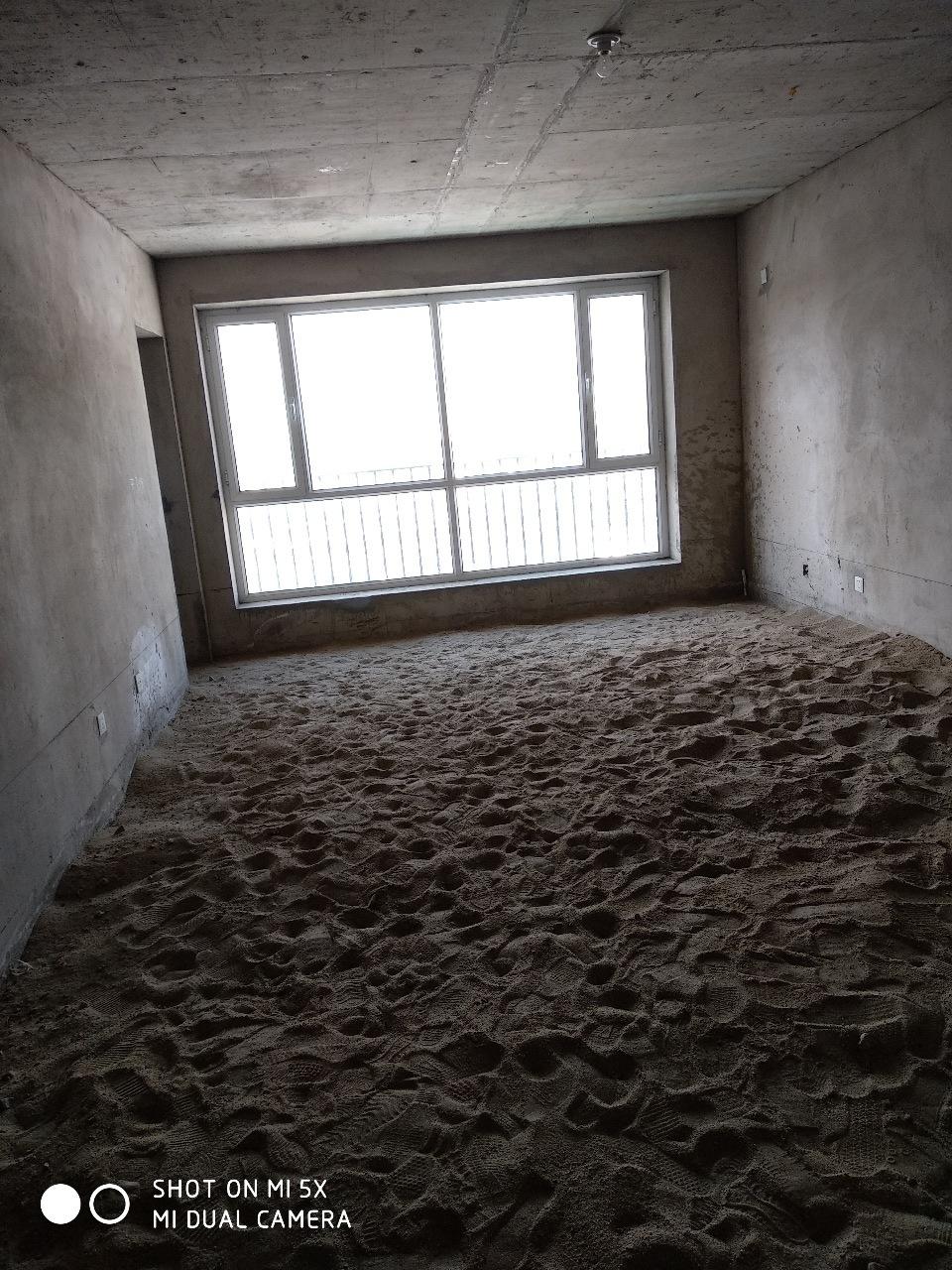 制药厂家属院2室 2厅 1卫51.8万元