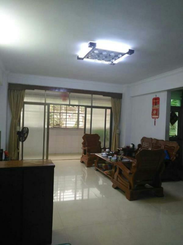 新加坡花园3室 2厅 2卫118万元
