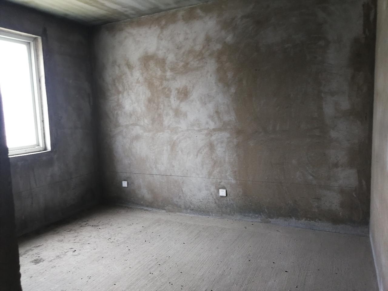 政泰苑3室 2厅 2卫71万元