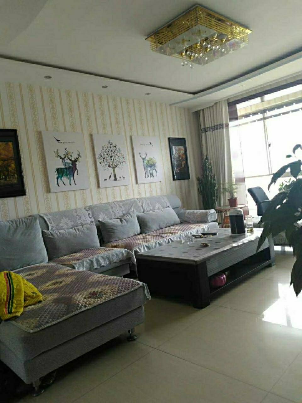 金泰家园3室 2厅 1卫42.8万元
