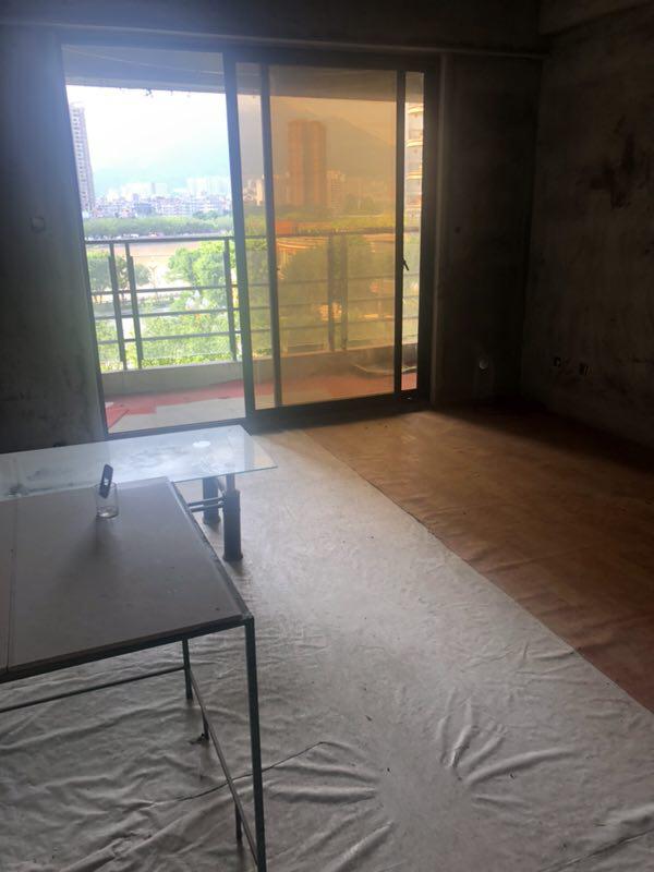 蓝溪国际水晶城3室 2厅 2卫125万元