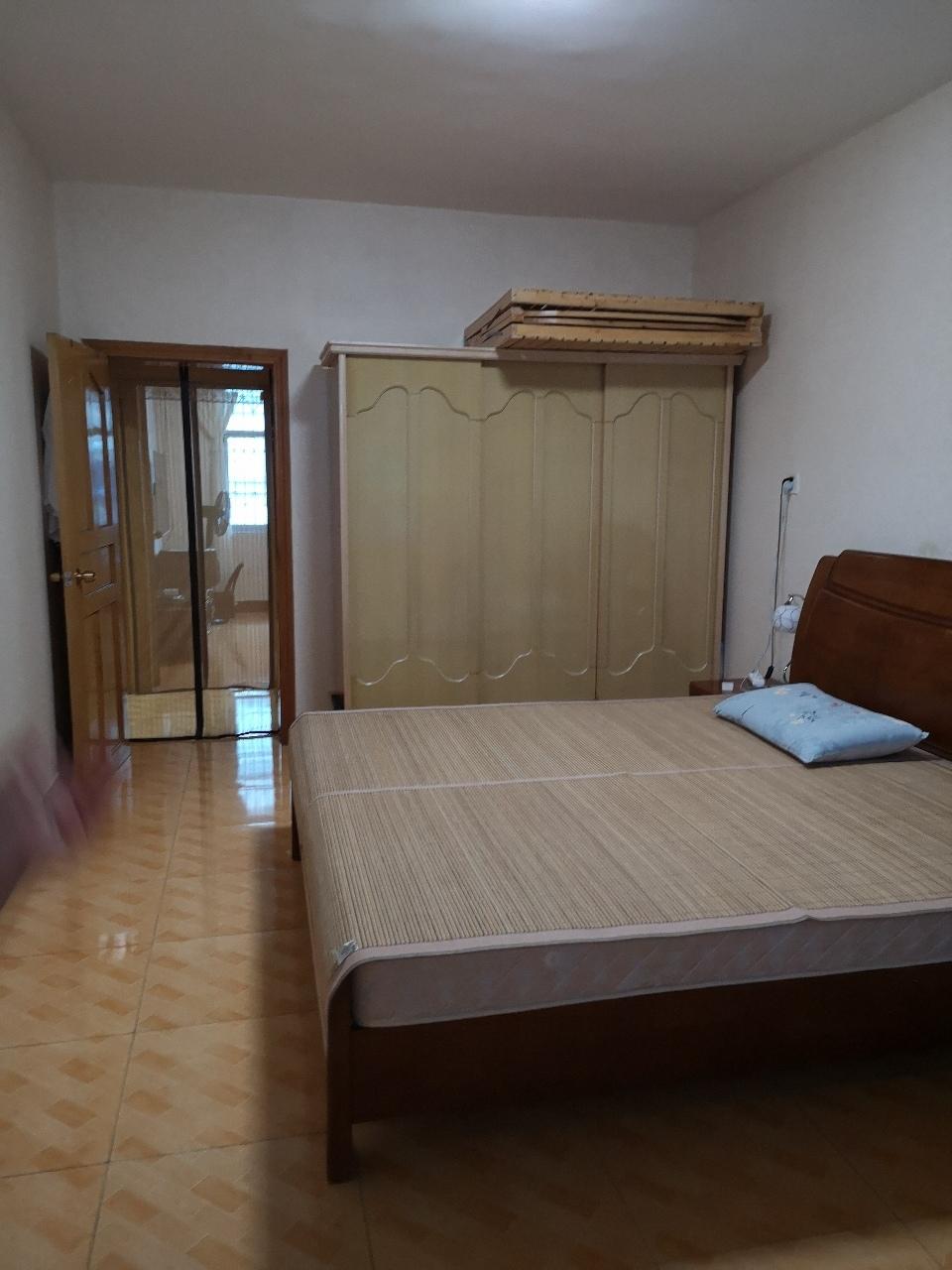 城峰國際旁2室 2廳 2衛31.8萬元