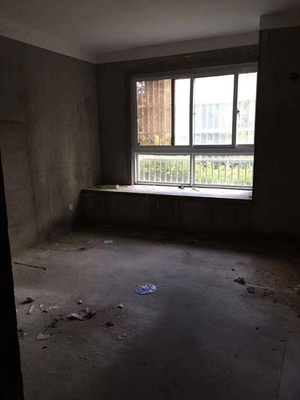 中泰锦城3室 2厅 2卫88万元