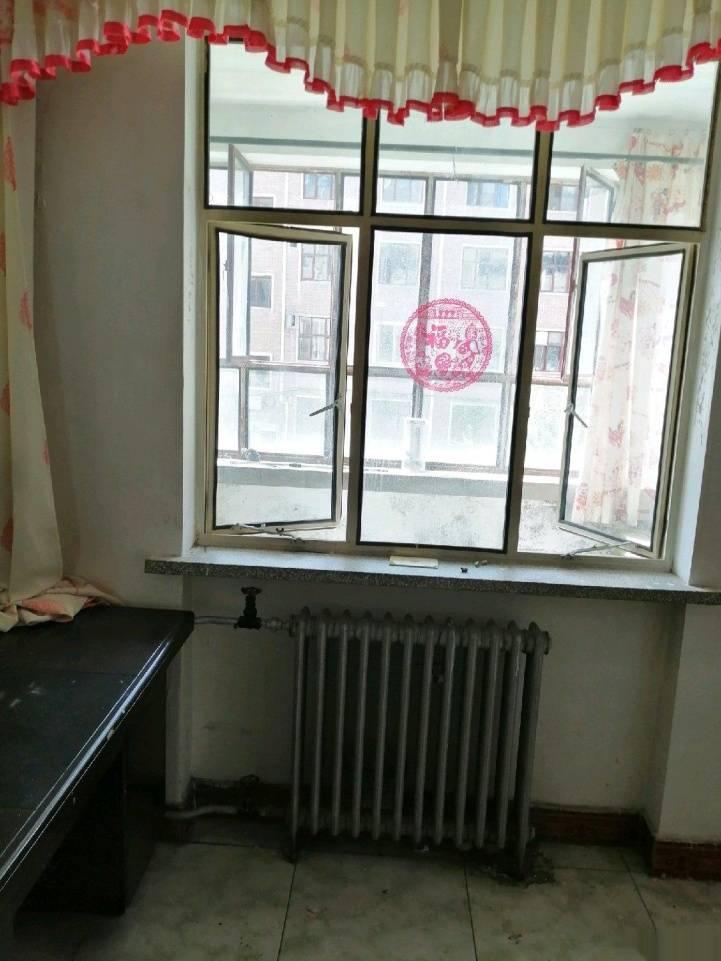 昌盛小区2室 2厅 1卫30万元
