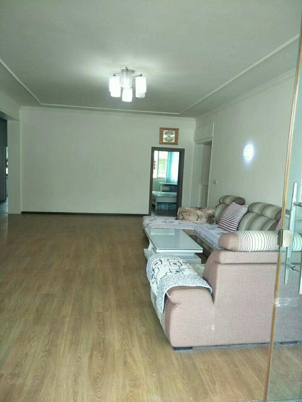 少岷花园5室 2厅 2卫62.8万元