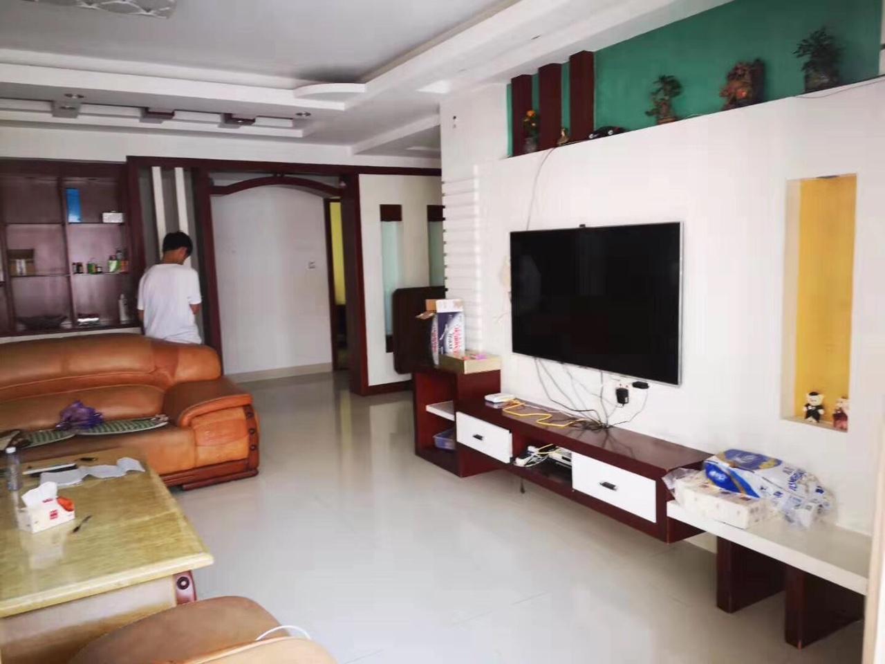 億龍4室 2廳 2衛91.8萬元
