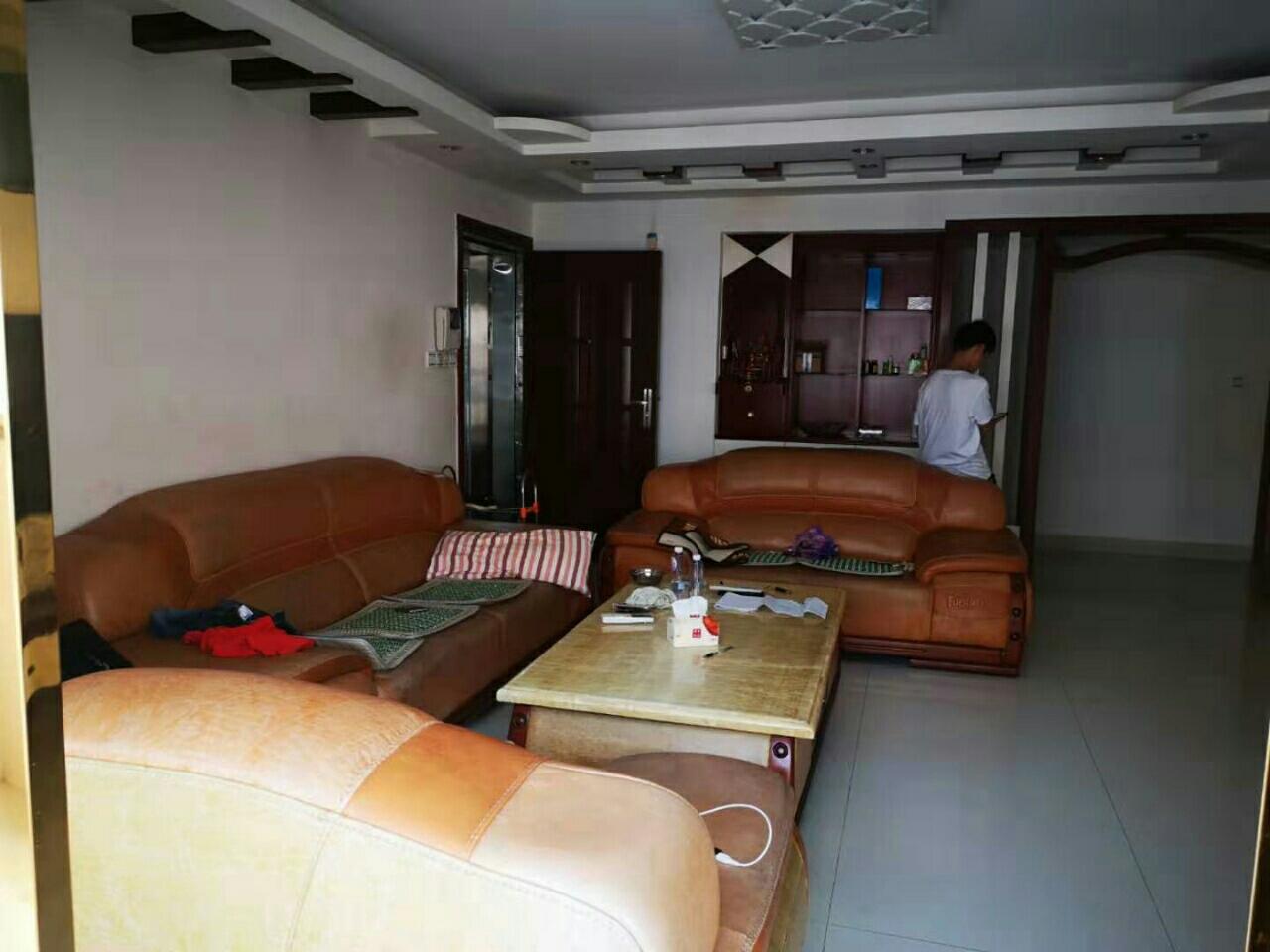 亿龙城市花园3室 2厅 2卫91.8万元