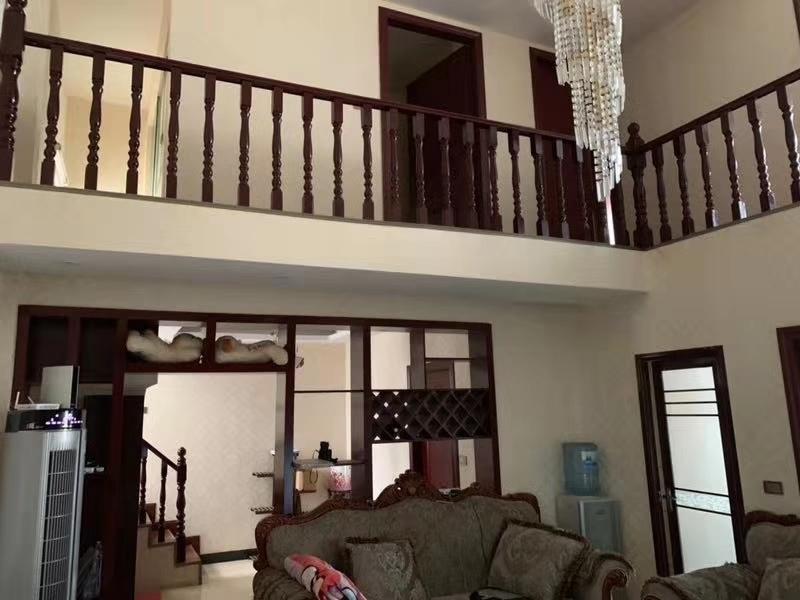 青崗林廉租房4室 2廳 2衛50萬元