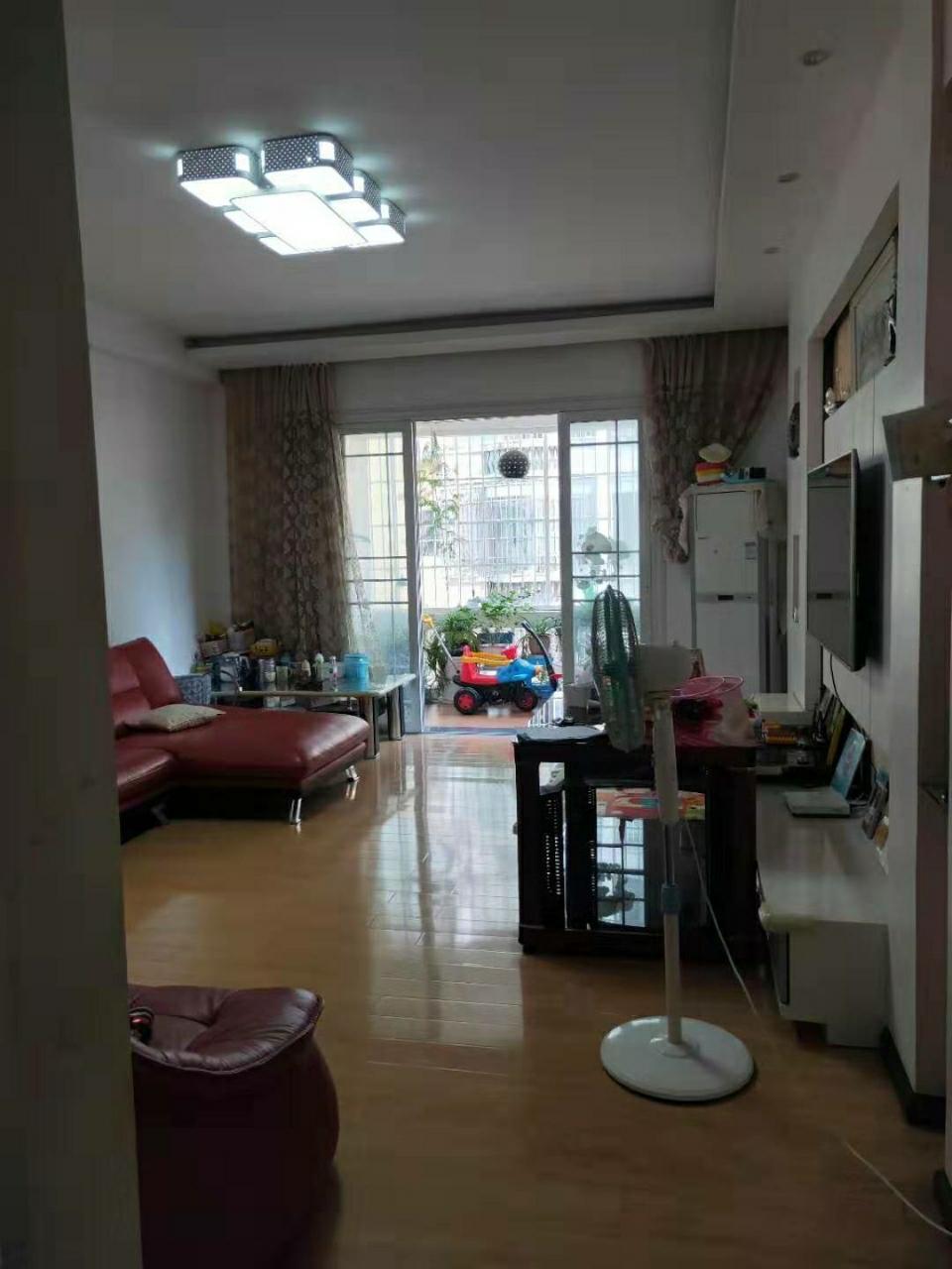 滨江花园3室 2厅 2卫42.8万元