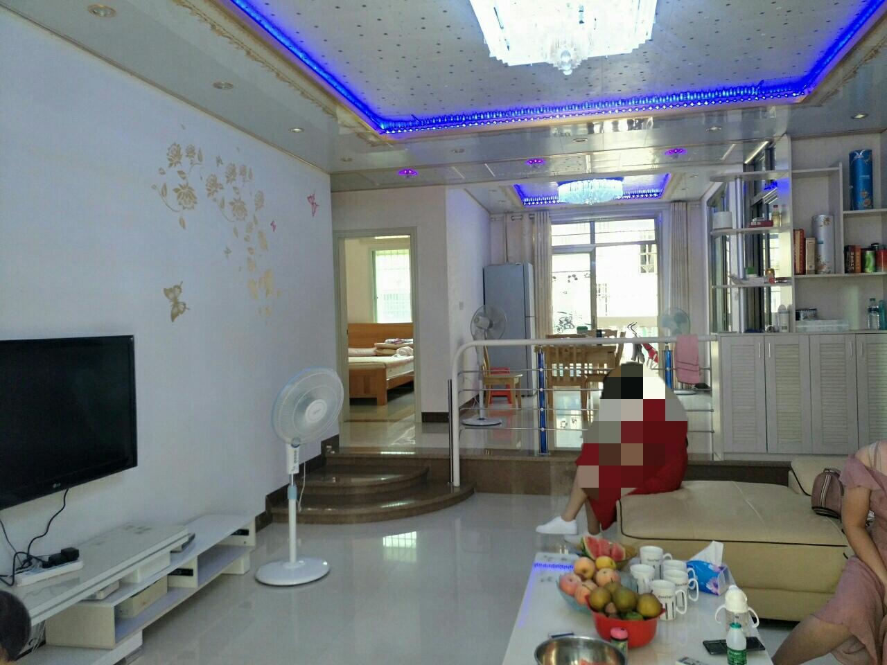 星港湾3室 2厅 2卫76万元