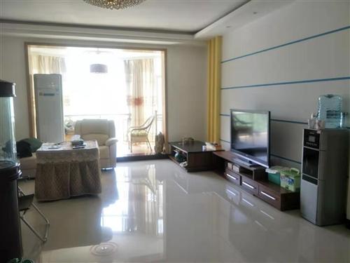 地税小区5室 2厅 2卫120万元