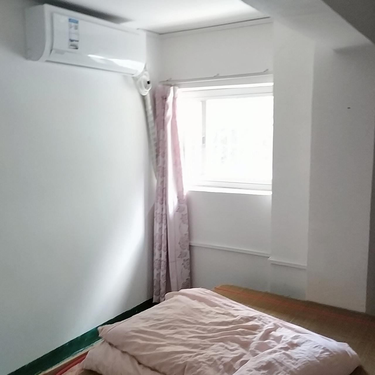 龙景嘉园小产权,有空调热水器1室 1厅18万元