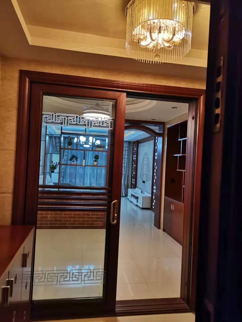 锦绣嘉园 一线江景房 带车库3室 2厅 132万元