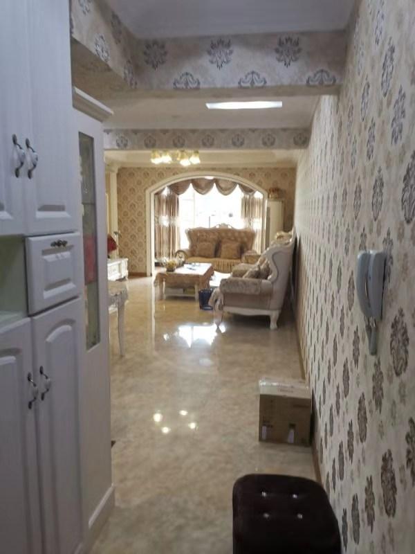 五龍城4室 2廳 2衛105萬元