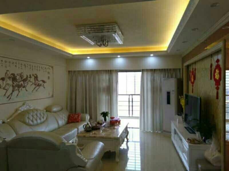 蓝溪国际 精装3室 高层116平135万元