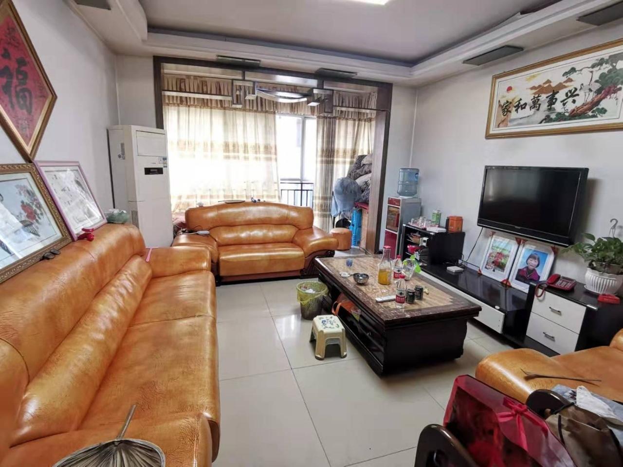 江北莲花锦苑3室 2厅 2卫55万元