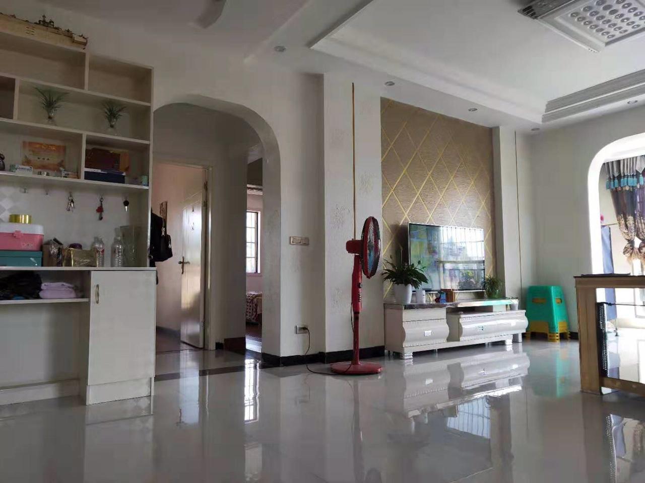 湄潭顶级小区滨江豪苑3室 2厅 2卫76.8万元