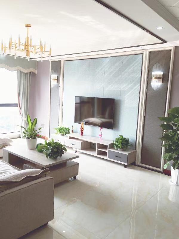 皇家名邸精装可按揭3室 2厅 2卫98.8万元