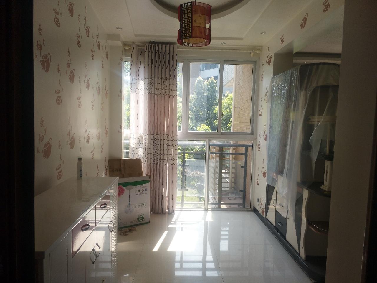 新东方花园4室 2厅 2卫58万元