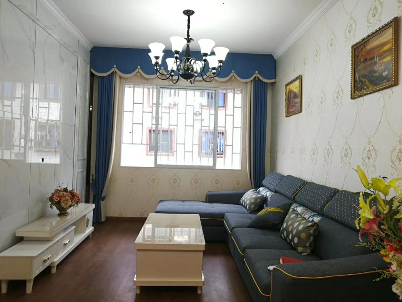 步行街2室 2厅  精装未入住28.8万元