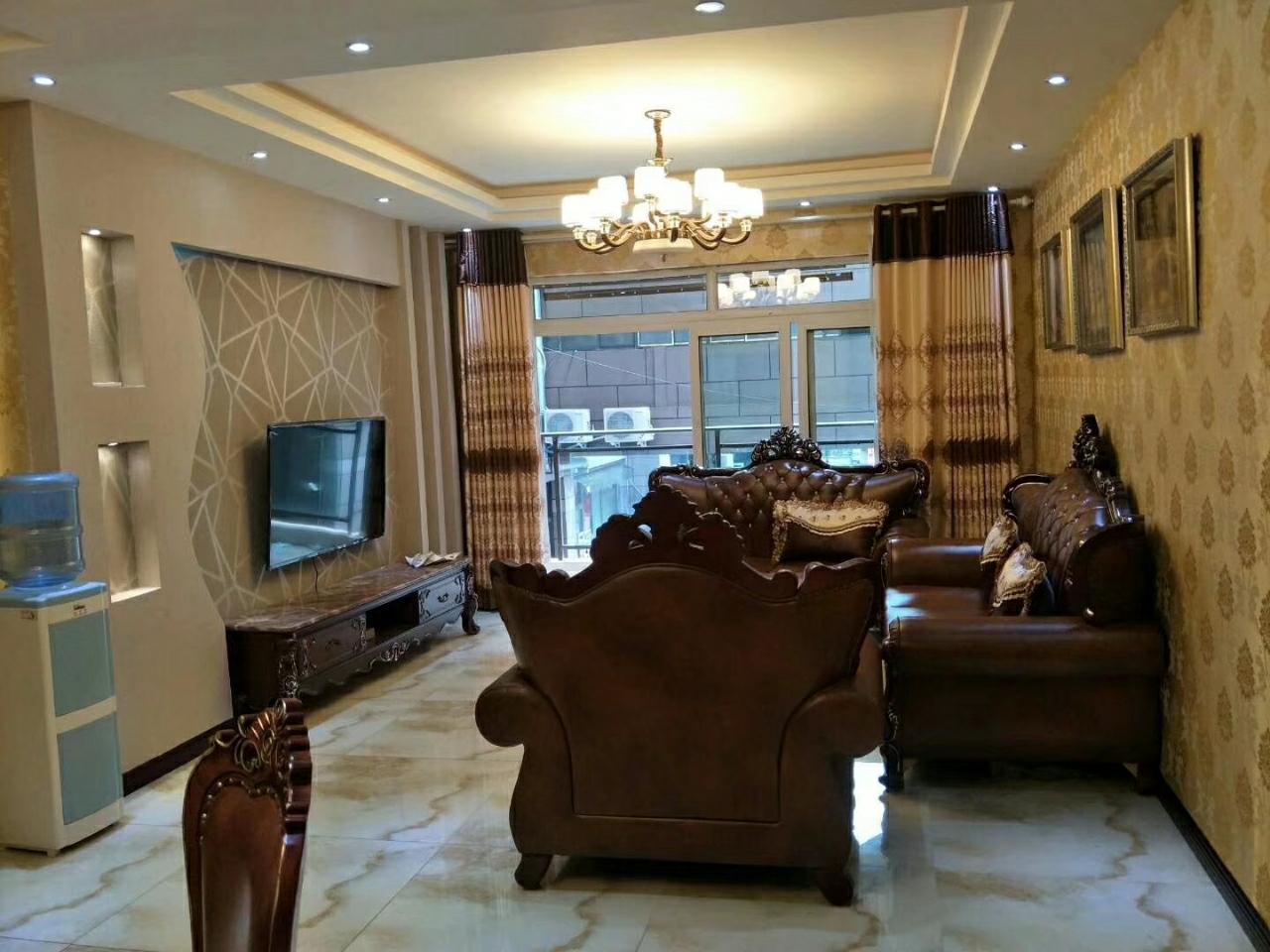 香榭雅筑 高层4室 2厅 精装68万元