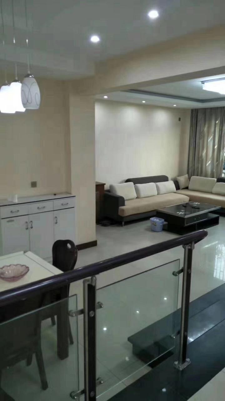 蜀涛花园3室 3厅 2卫86.8万元