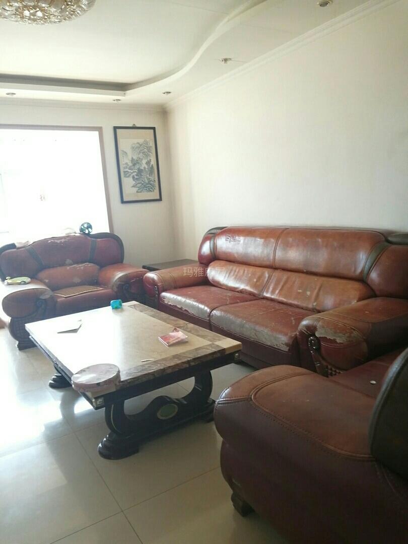 龙兴源小区3室 2厅 2卫57万元