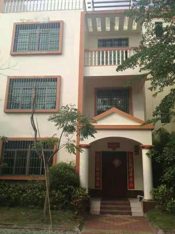 阳光棕榈看�磉@把�σ彩翘斓卣Q生岛别墅3层半8室 4厅 3卫265万元