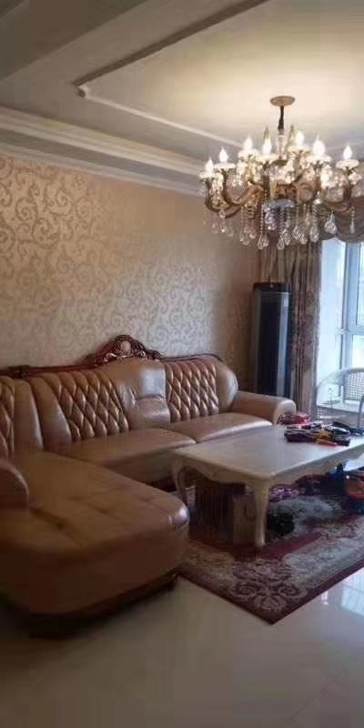 凱旋盛世,豪華裝修3室 2廳 1衛98萬元