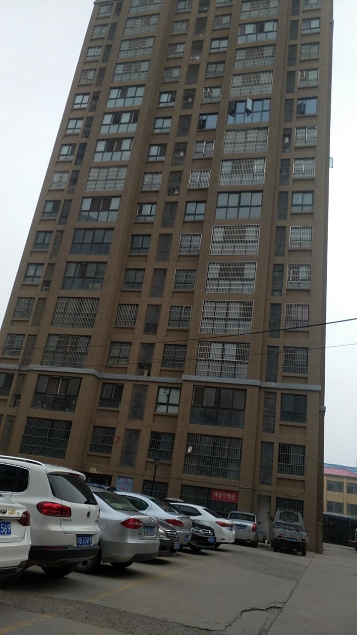 中央广场6楼3室 2厅 1卫45万元