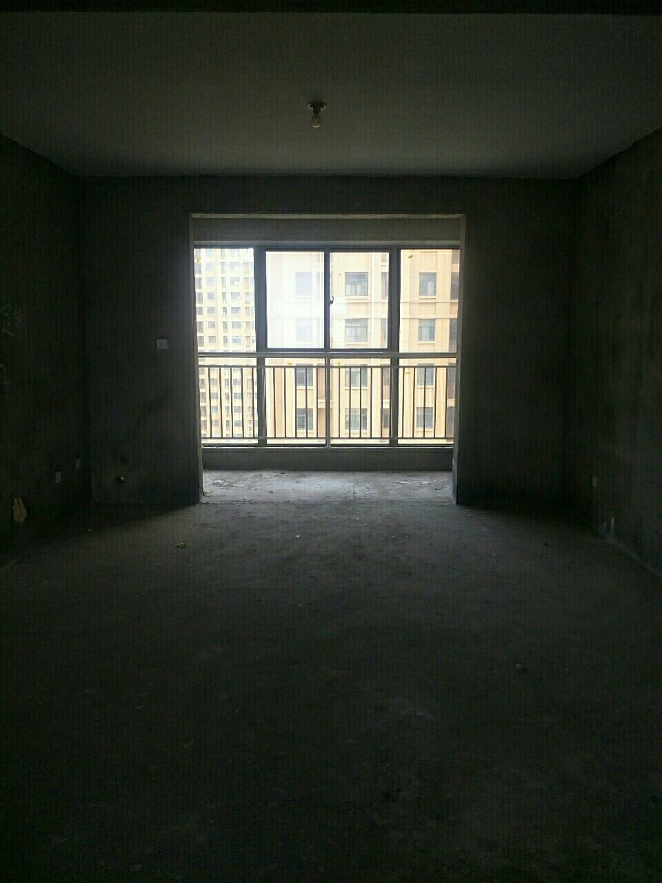 御湖豪庭3室 2厅 2卫38万元