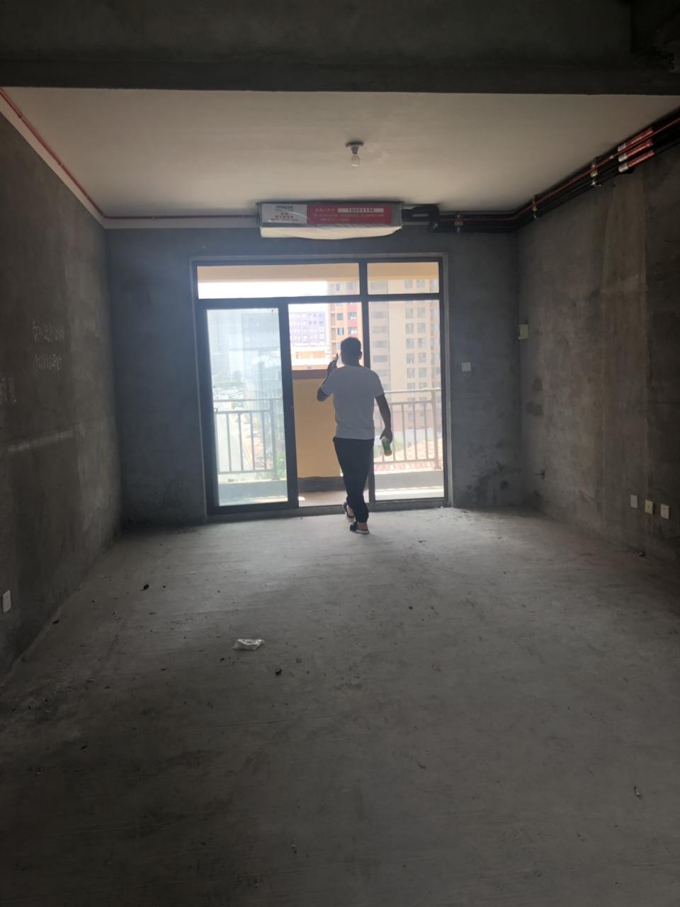 東區上宅3室 2廳 2衛64萬元
