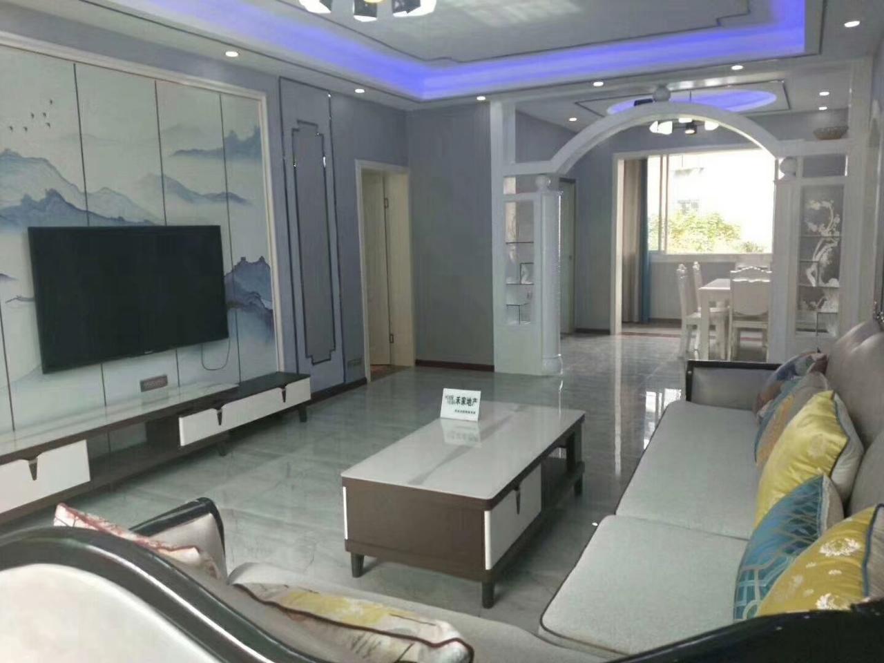 萬興苑3室 2廳 2衛65.8萬元