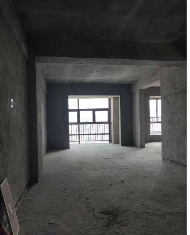 明珠茶叶城3室 2厅 2卫59万元