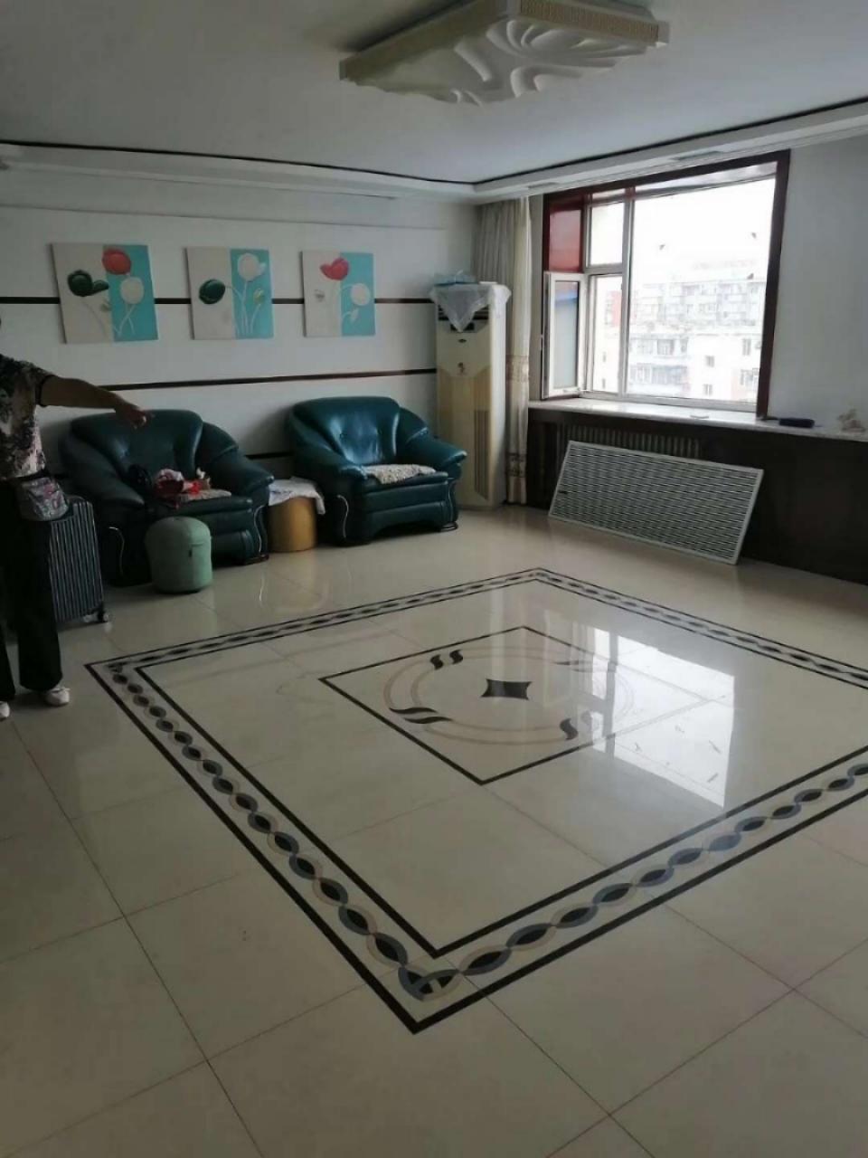 海明三中双学区50平超大客厅3室4000多一平